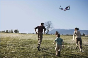 article-new_ehow_images_a03_7f_q0_fly-kite-kids-800x800